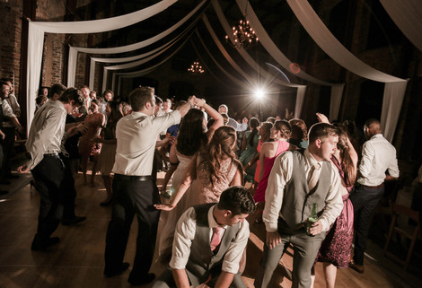 Top 5 Songs To Play At Your Wedding Reception