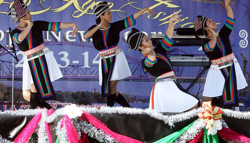Hmong New Year bridges tradition