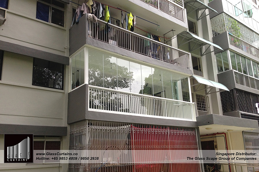 Glass curtains balcony for Balcony curtains
