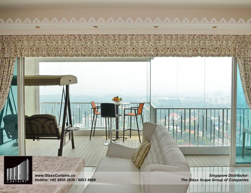 Glass Curtains® Frameless sliding glass | Balcony Patio
