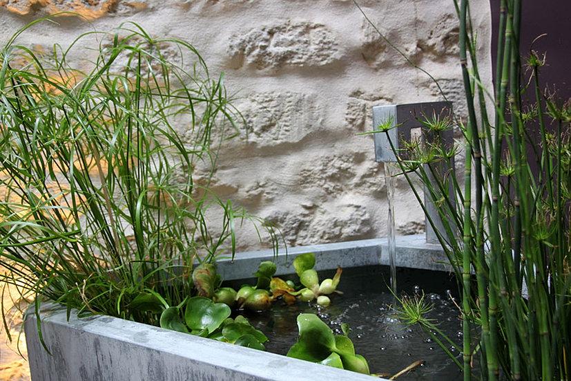 Tontonzingueur zinc fontaine bassin mur d 39 eau jardiniere for Bac fontaine jardin