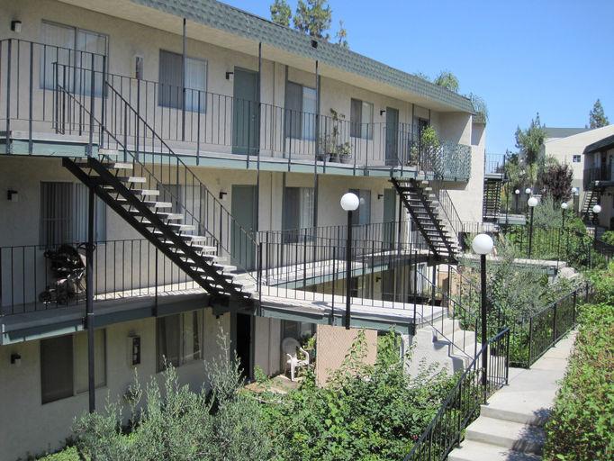 Amber Crest Apartments (951) 788-0278 | Wix.com