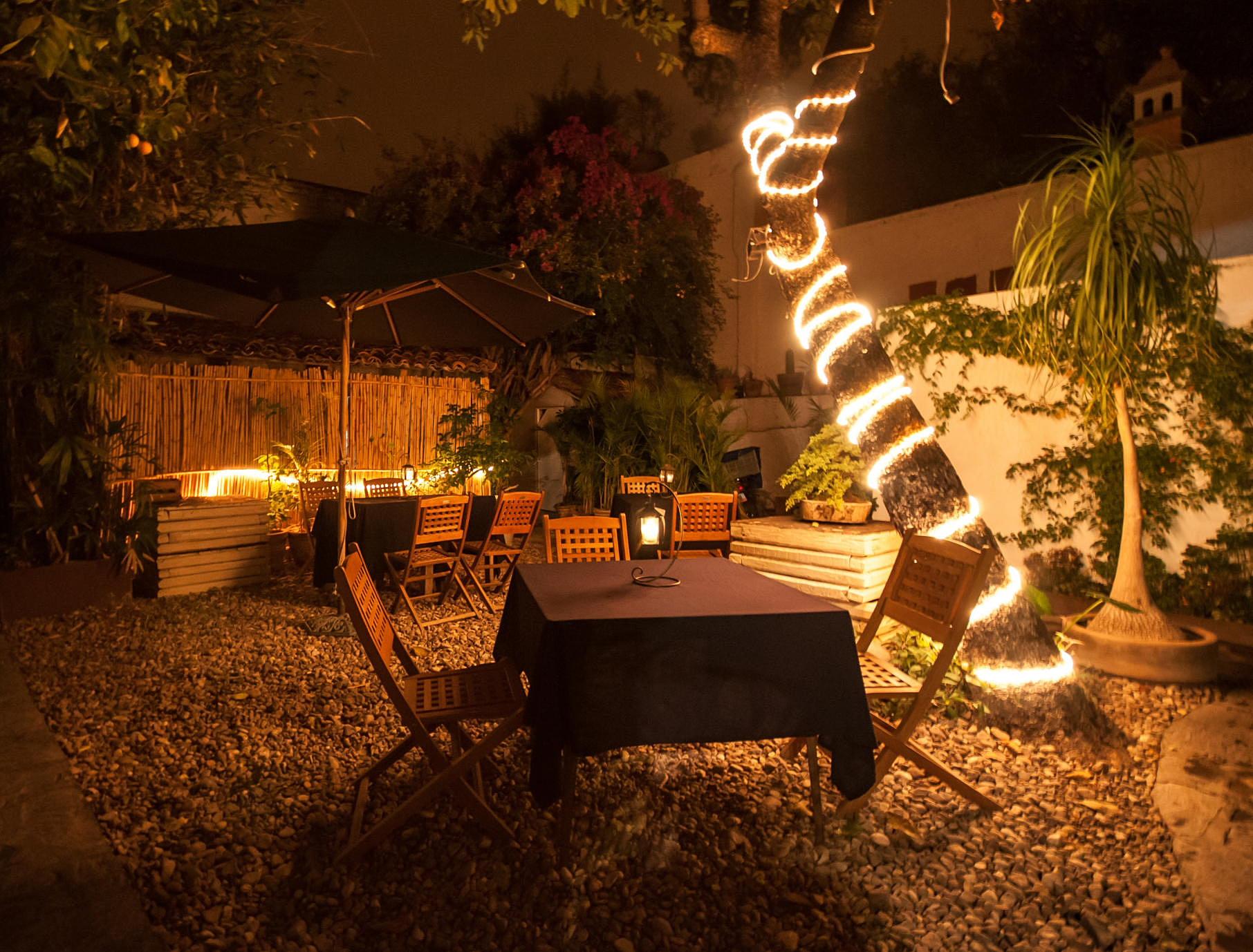 Mi vida restaurant san miguel de allende mi vida for Luces led para terrazas