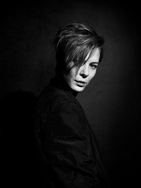 ANNE HOFFMANN / ACTRESS