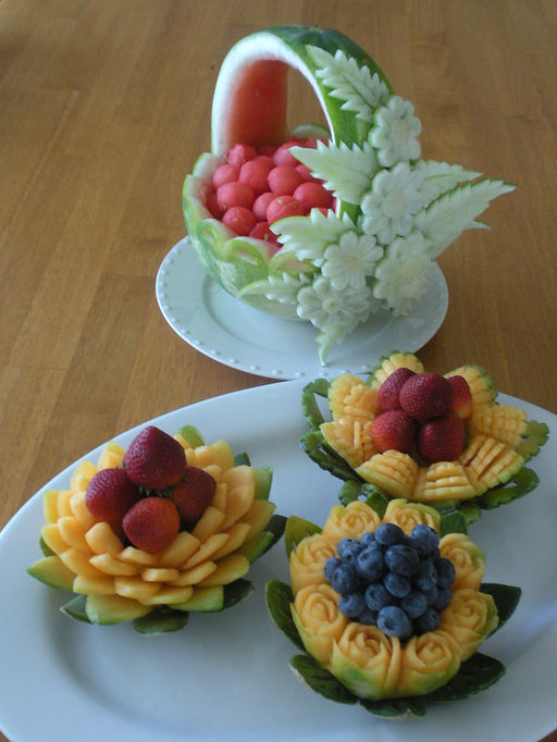Professional thai fruit carving for Aroma royal thai cuisine
