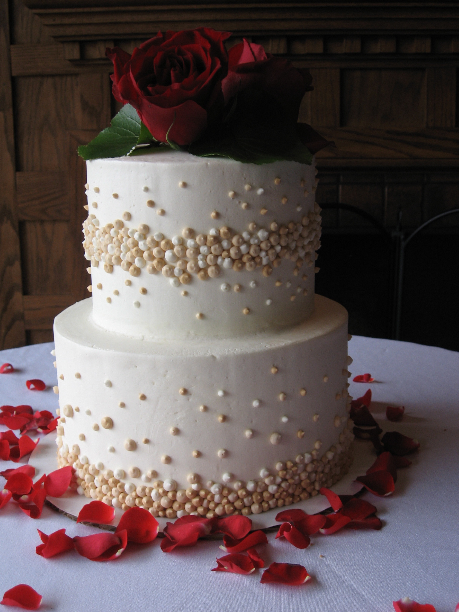 hallmark cakes nc mountain wedding cakes boone nc wedding cakes champagne bubbles. Black Bedroom Furniture Sets. Home Design Ideas