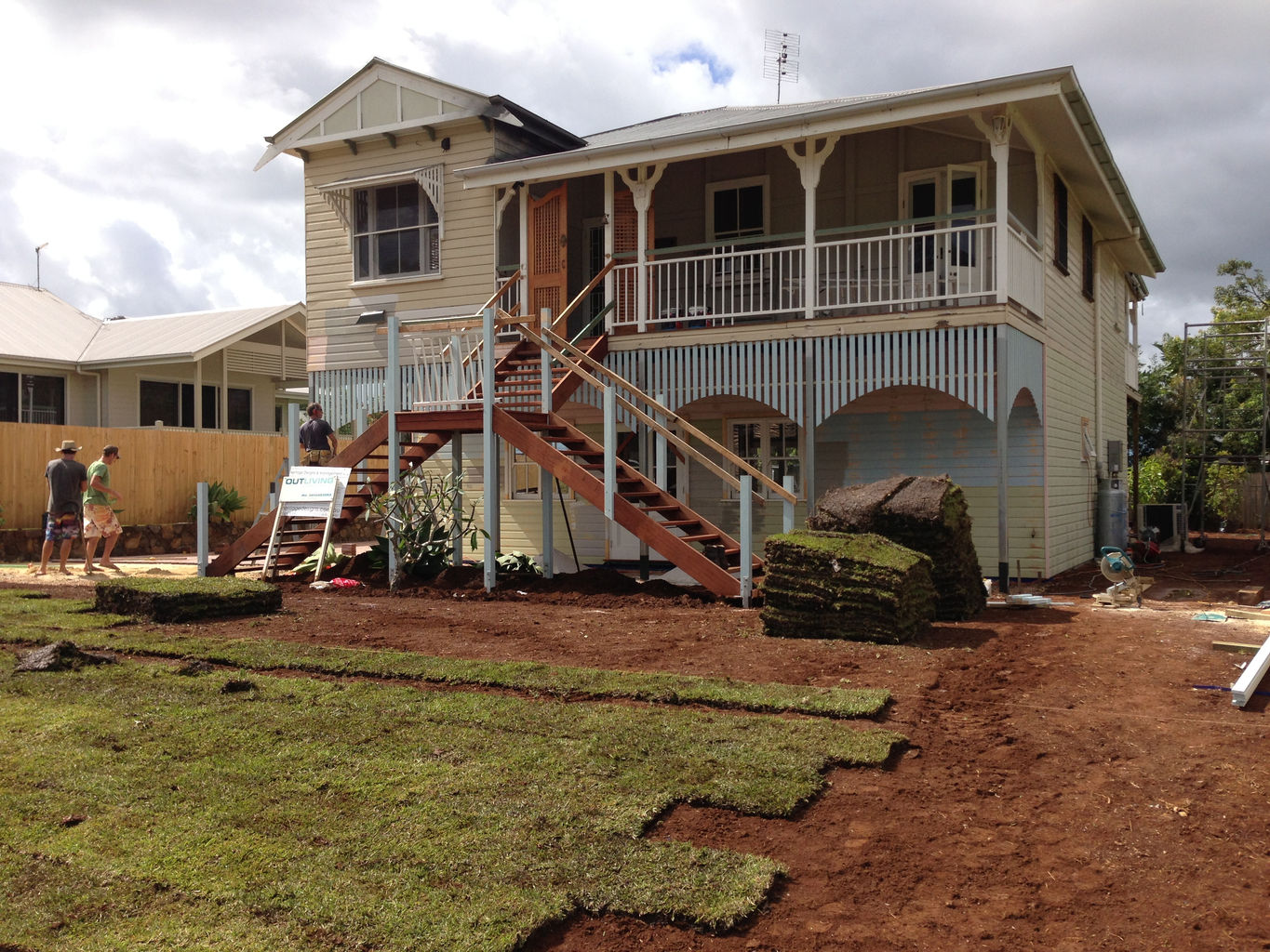 Soft leaf buffalo turf is laid and the skirting is put around the upper level under the verandah.