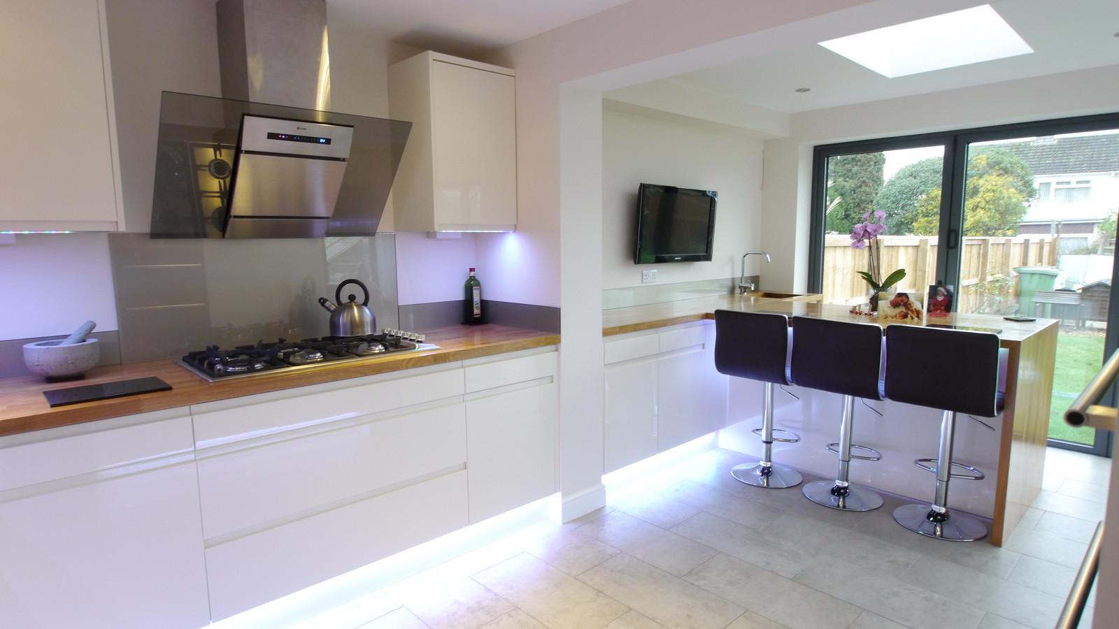 White Gloss Kitchen Worktop David Cross Kitchen Solutions Kitchens In Somerset Work