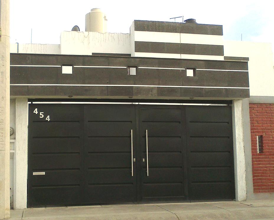 Puertas autom ticas innova fabricaci n de puertas portones for Modelos de portones metalicos para casas