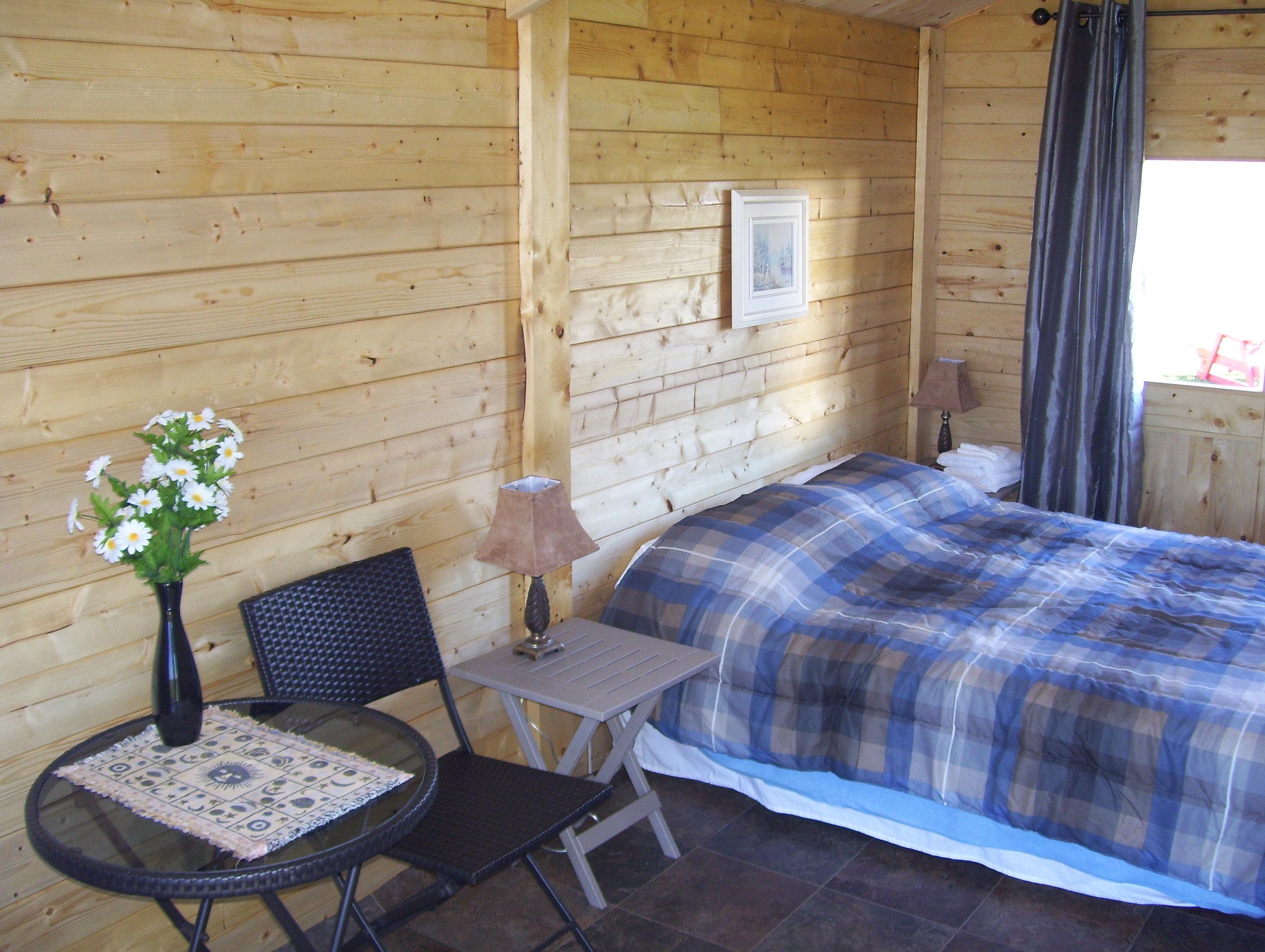camping au bord de la mer de cap chat en gasp sie chalet 4 camping au bord de la mer de cap. Black Bedroom Furniture Sets. Home Design Ideas