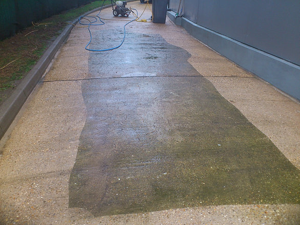 Advanced power wash for Concrete driveway cleaner