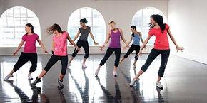 Mujeres-bailando-en-escuela-de-baile.jpg