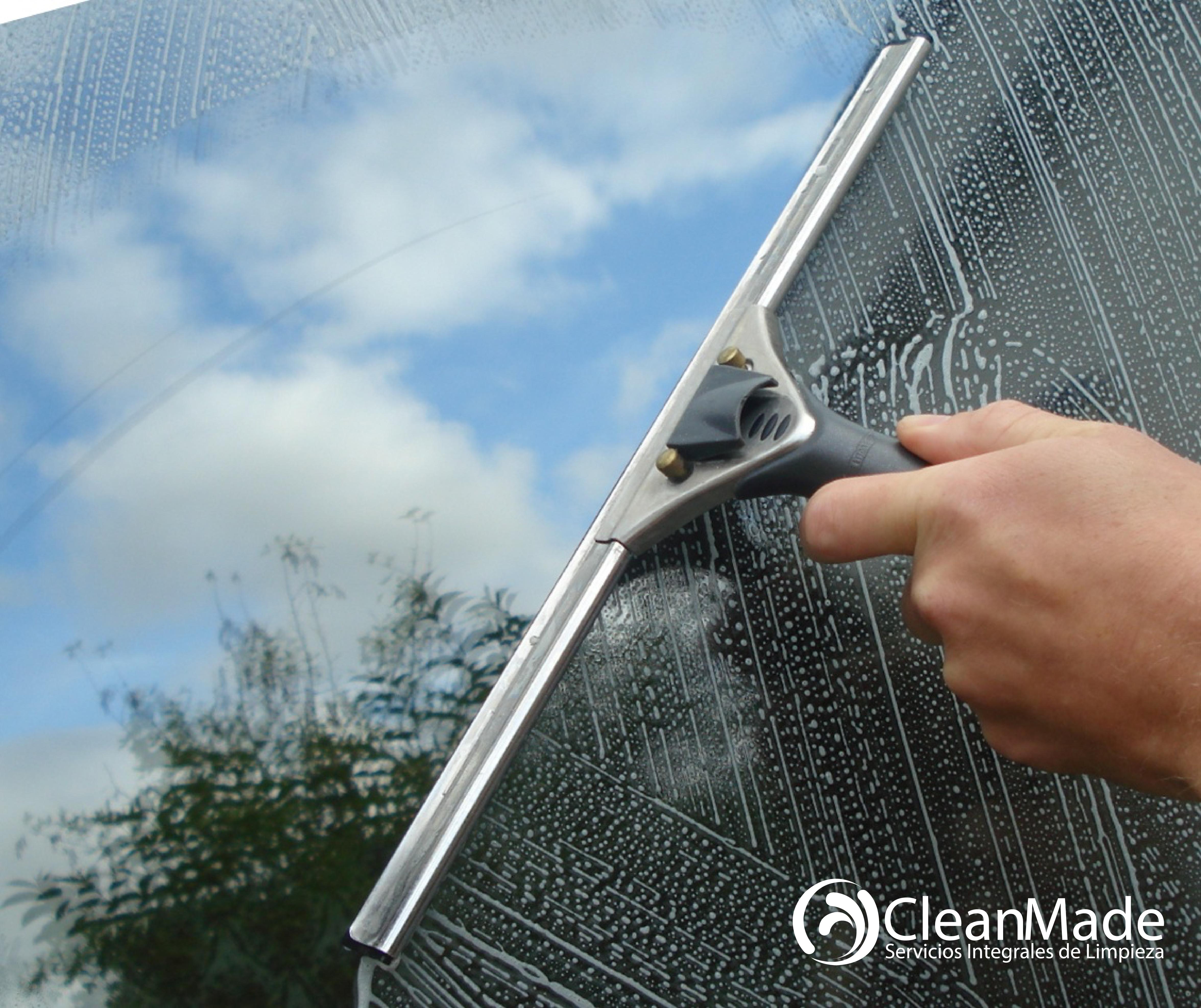 Limpieza De Oficinas Vidrios Y Ventanas Cleanmade El Servicio  ~ Limpieza De Ventanas Y Cristales