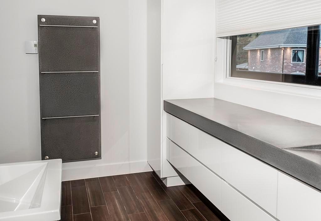 b ton multi surfaces chauffe serviette de b ton. Black Bedroom Furniture Sets. Home Design Ideas