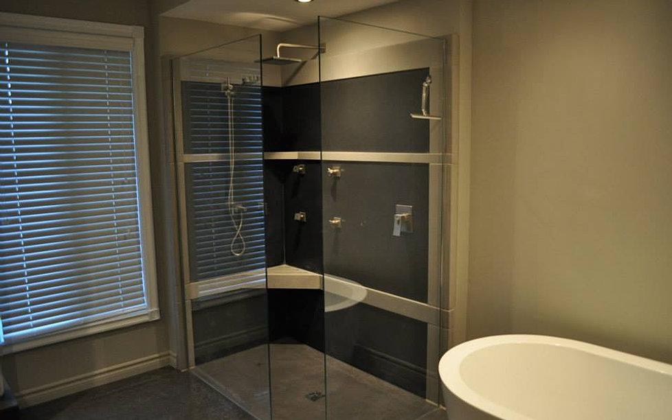 b ton multi surfaces base et murs de douche en b ton. Black Bedroom Furniture Sets. Home Design Ideas