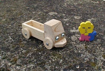 Salon de jardin meuble palette objets d coratifs jouets for Objets decoratifs de jardin