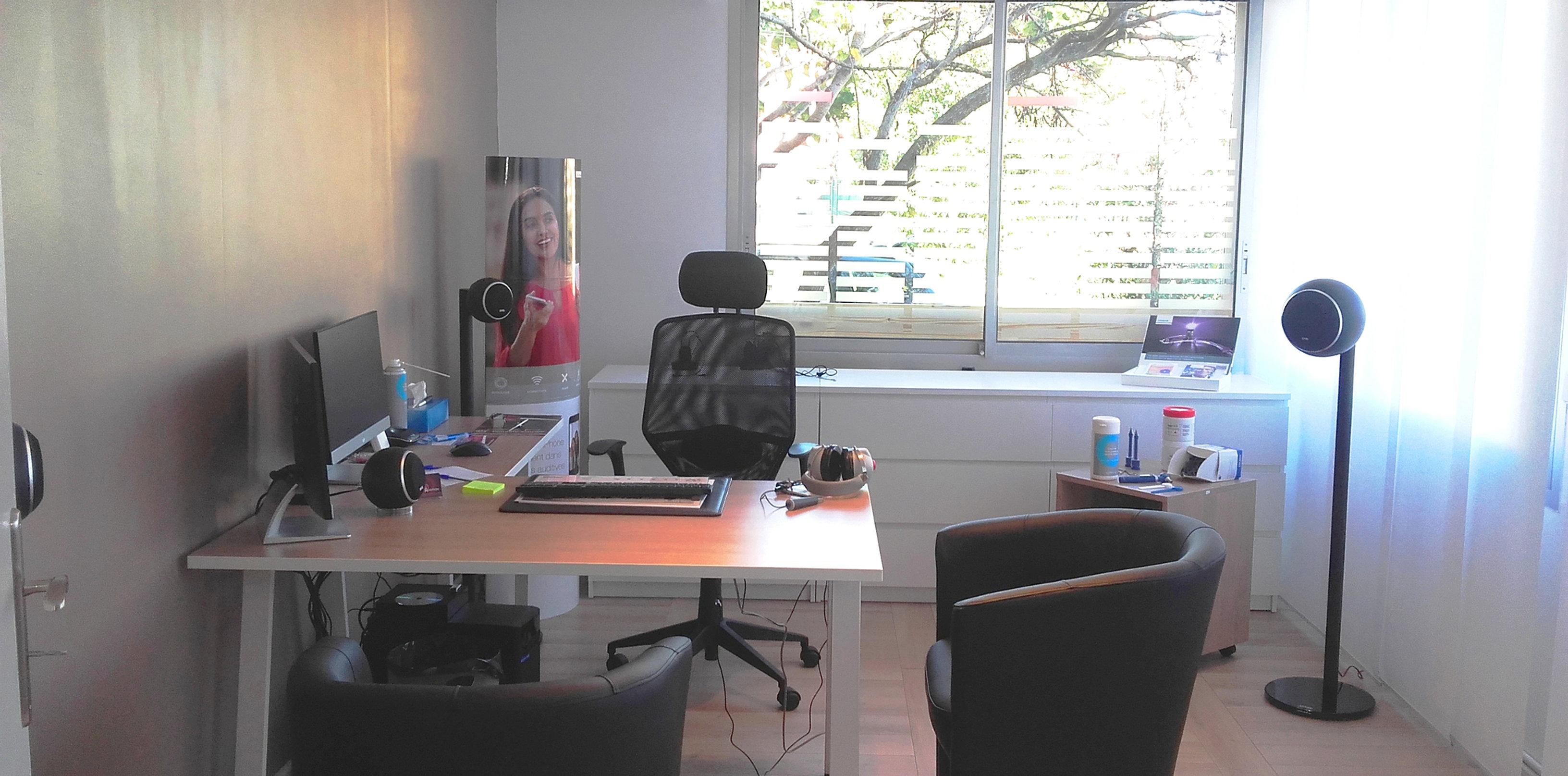 alliance audition sp cialiste de l 39 audition en occitanie bureau cabine. Black Bedroom Furniture Sets. Home Design Ideas