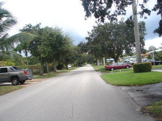 back street in hollywood lakes