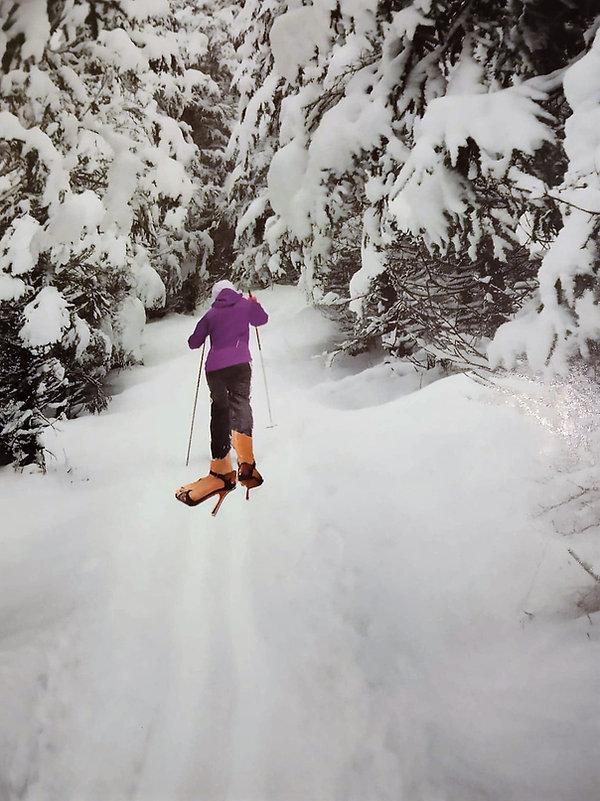 Elle skie en aiguilles