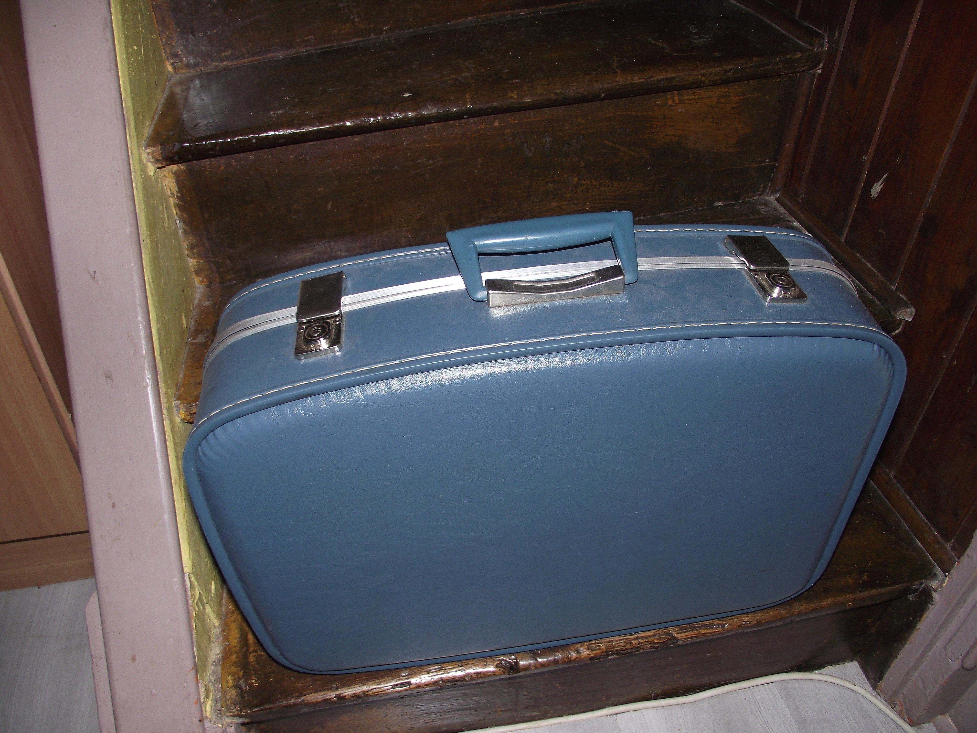 les puces de lilidom valise d h tesse de l 39 air 70 39 s. Black Bedroom Furniture Sets. Home Design Ideas