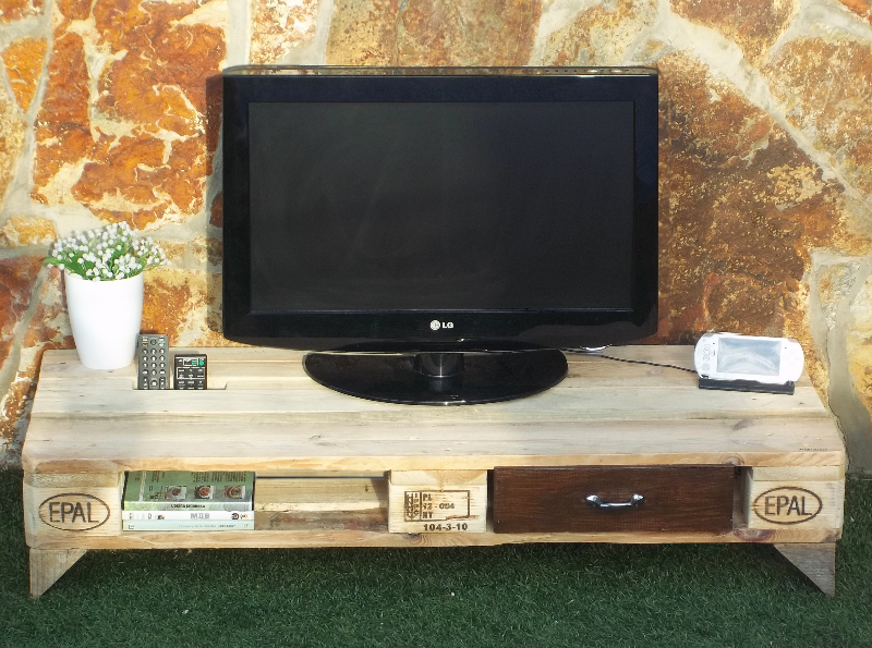 Mueble para tv con palets for Mueble hecho con palet
