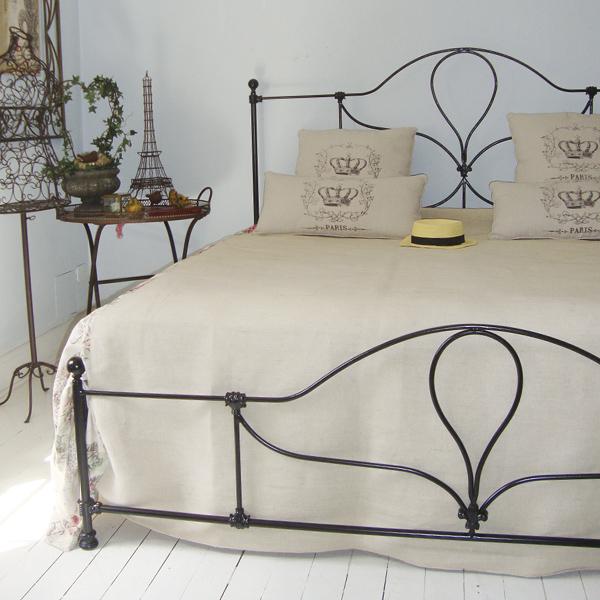 Gazebos e m veis para jardim estilo proven al e toscana - Modelos de cojines para cama ...