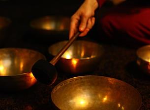 Поющая чаша. Магия. Как поют тибетские чаши. Очищение от негатива. Видео. Фото.   C77b8f_929a35283df640f2b5bd2e8f8324a54d.jpg_srz_305_225_75_22_0.50_1.20_0