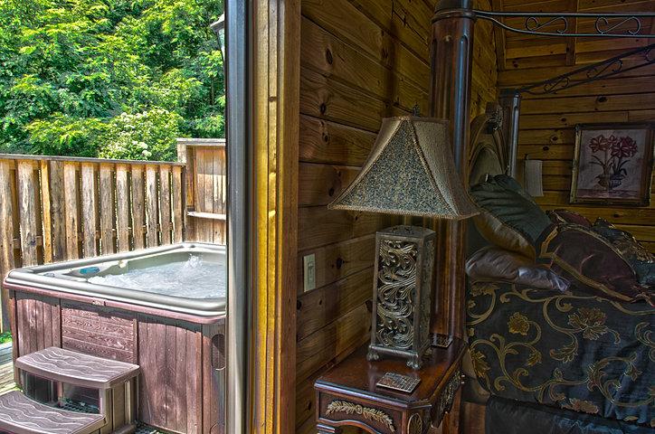 Honeymoon luxury log cabin rental royale for Honeymoon spots in virginia