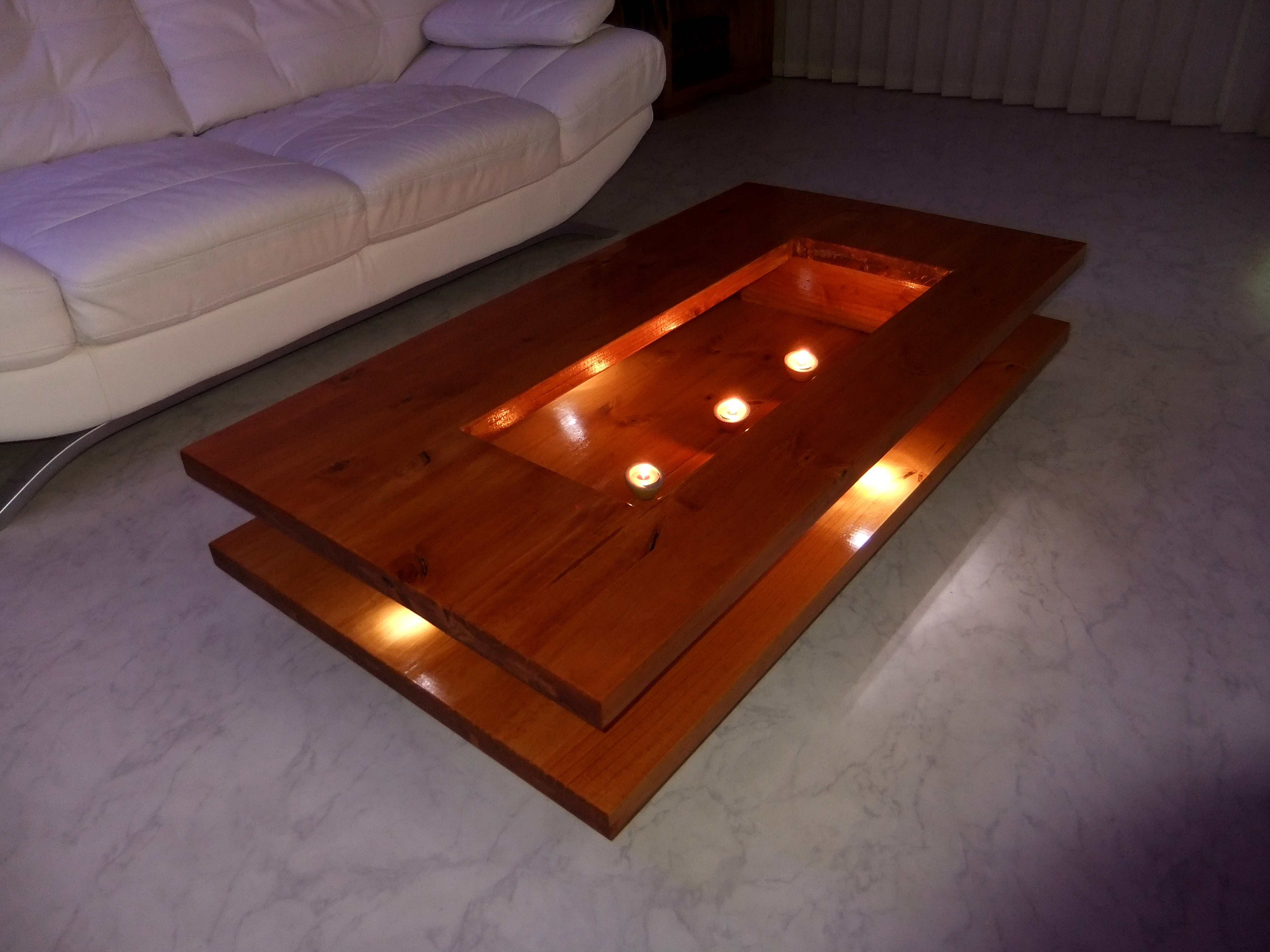 table basse led surf. Black Bedroom Furniture Sets. Home Design Ideas