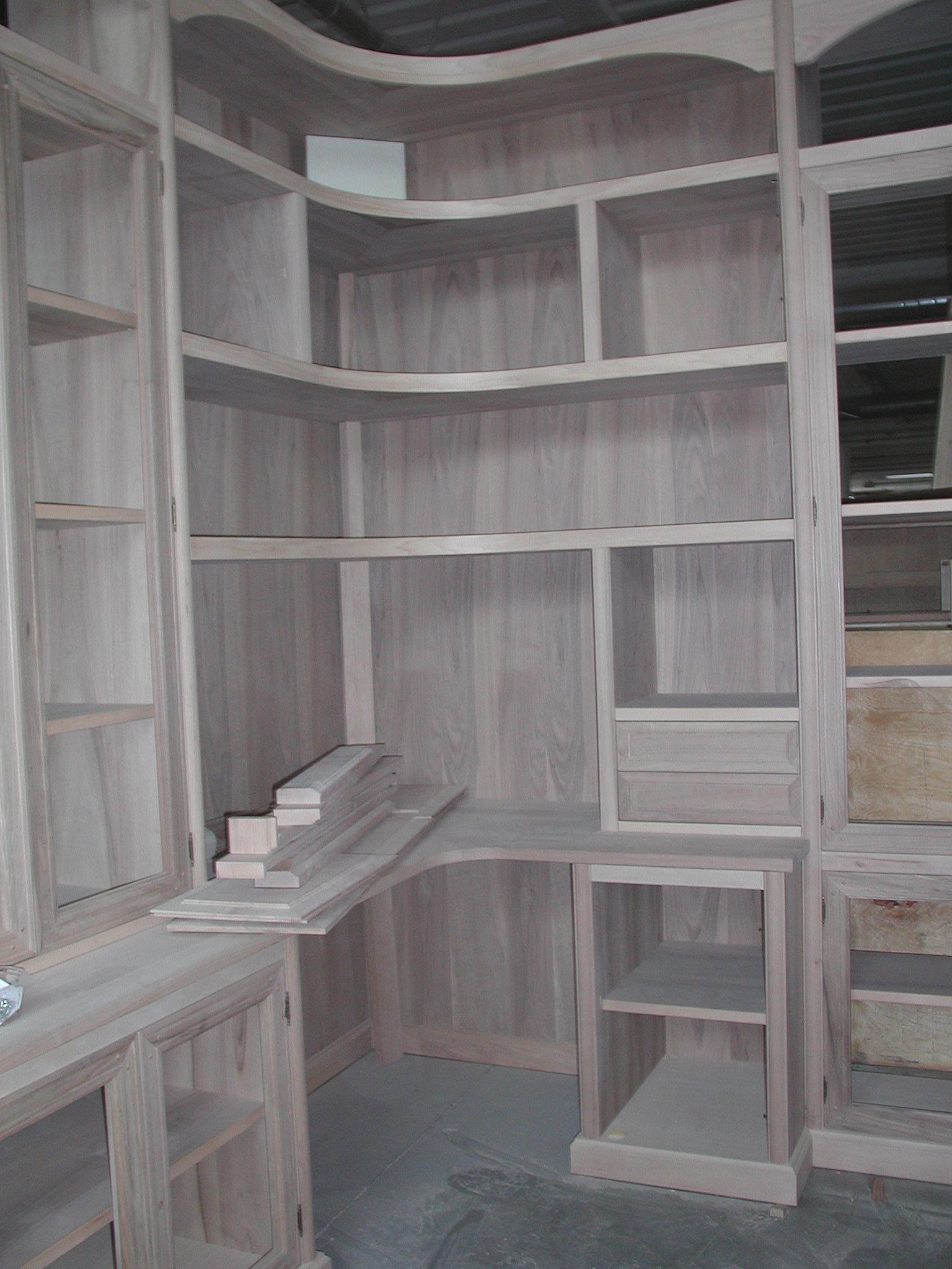 La sartoria del mobile libreria con scrivania ad angolo for Libreria ad angolo