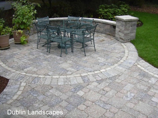 Superieur Tumbled Pavers And Wall