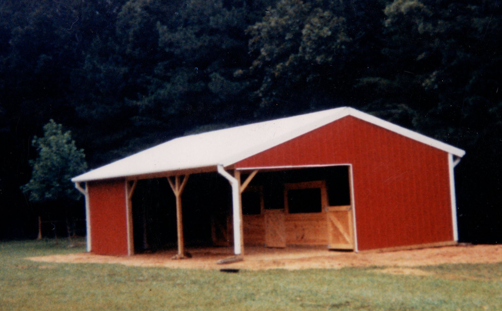 Affordable barn builders pole barns horse barns for Affordable barn homes