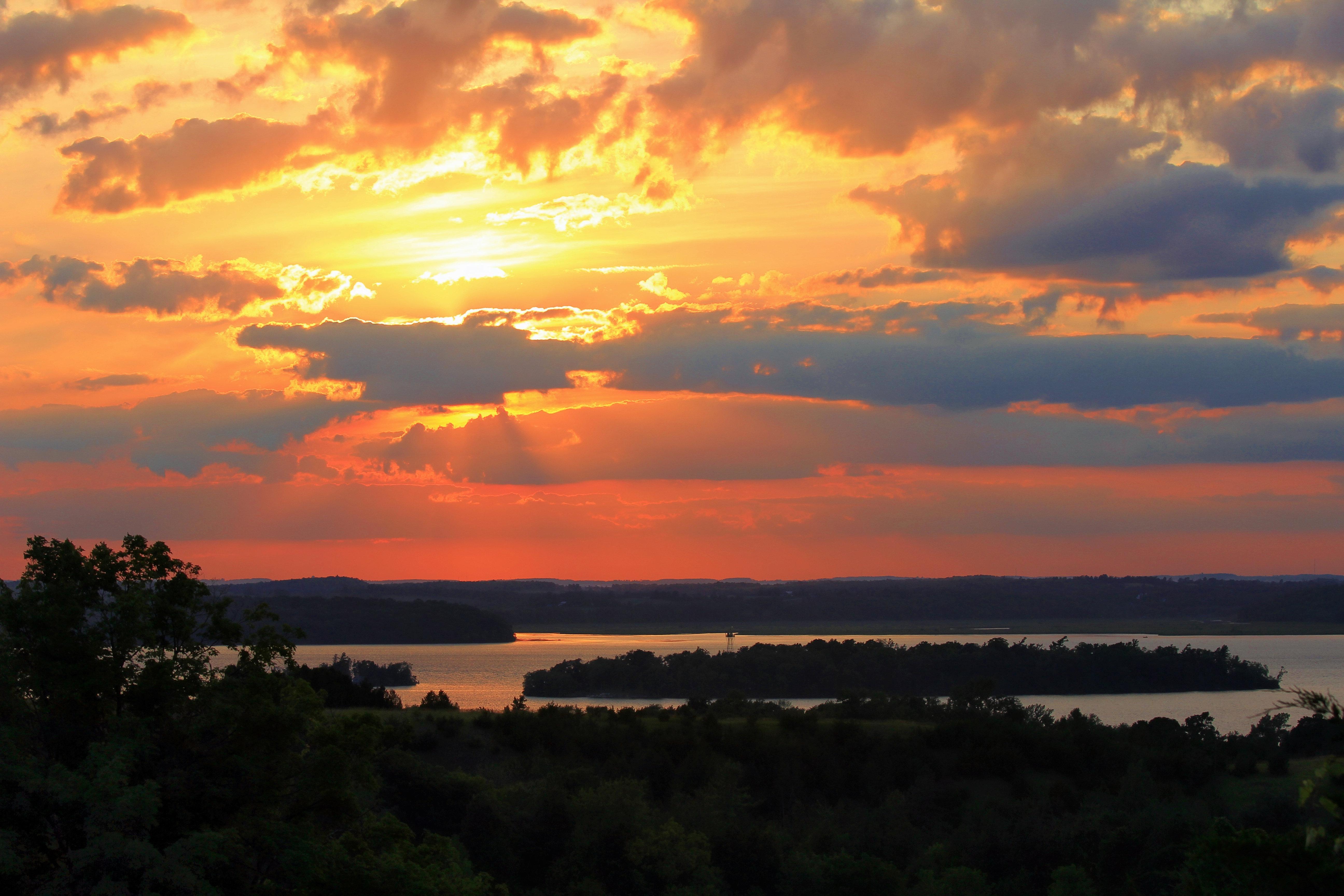 Cottage Rentals Ricelake Ontario Sunset Over Rice Lake