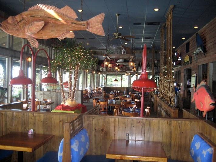 Crazy crab seafood restaurant hilton head island south for Fish restaurant hilton head