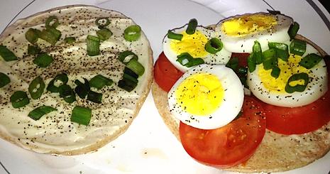 D Fit Cook | Egg Tomato & Scallion Sandwich