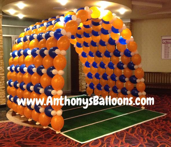 Chicago balloon decor football themed balloon tunnel for Balloon decoration chicago