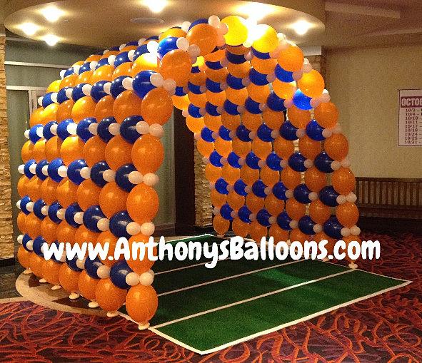 Chicago balloon decor football balloon tunnel for Balloon decoration chicago
