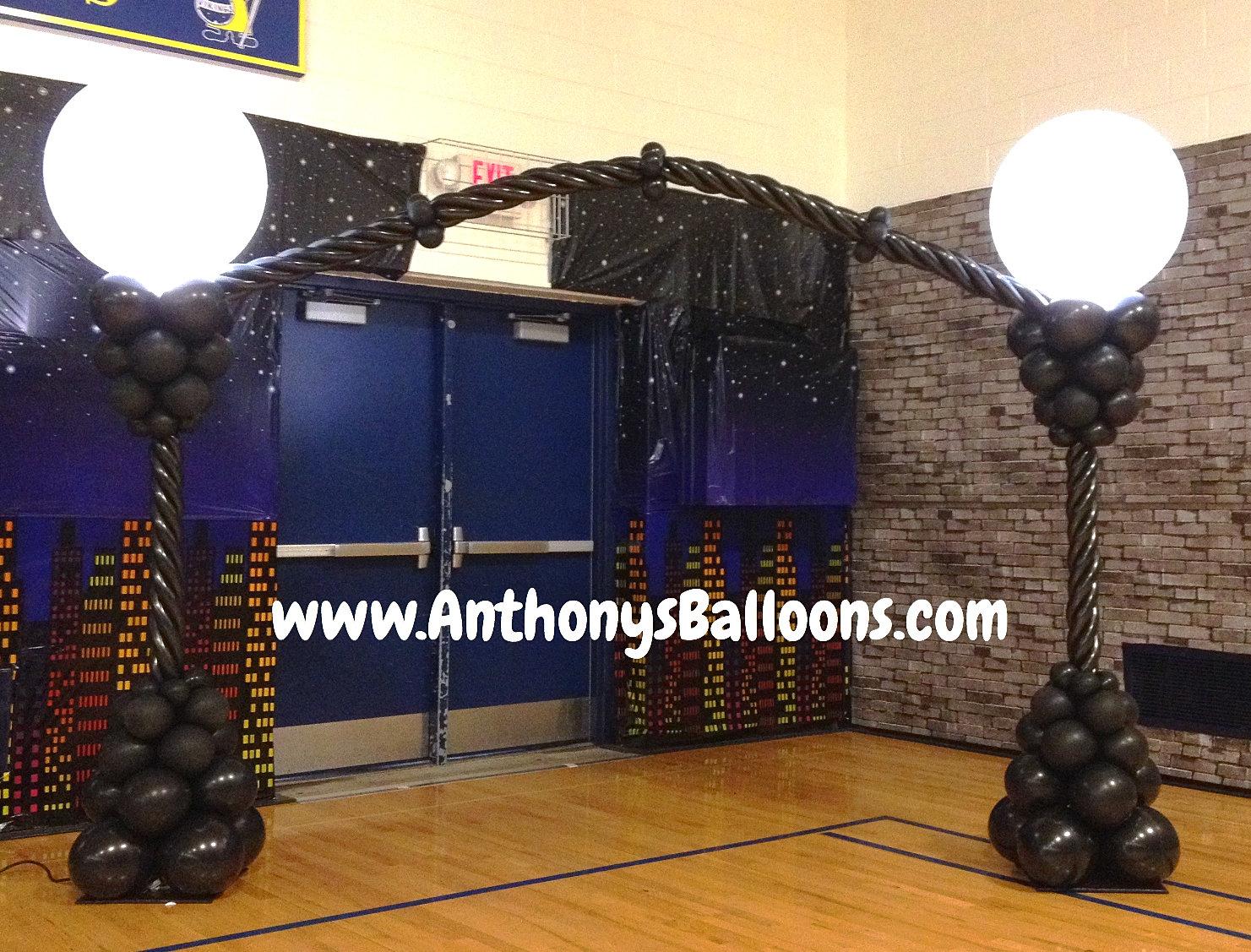 Chicago balloon decor lantern balloon arch for Balloon decoration chicago