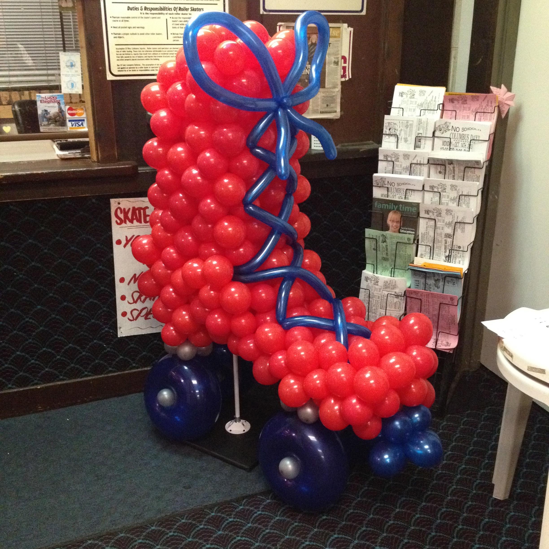 Chicago balloon decor roller skate balloon sculpture for Balloon decoration chicago