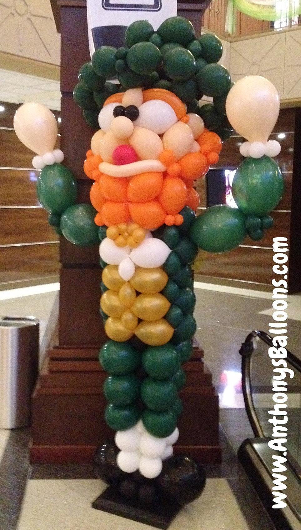 Custom balloon sculptures chicago balloon decor for Balloon decoration chicago
