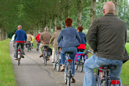 group_of_older_adults_on_bike_tour