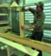 Vorbereitungsarbeiten in der Werkstatt.j