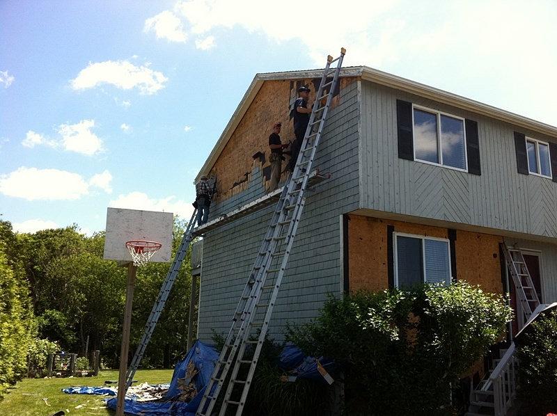 Mr Roof Inc Roofing Skylights Siding Amp Windows