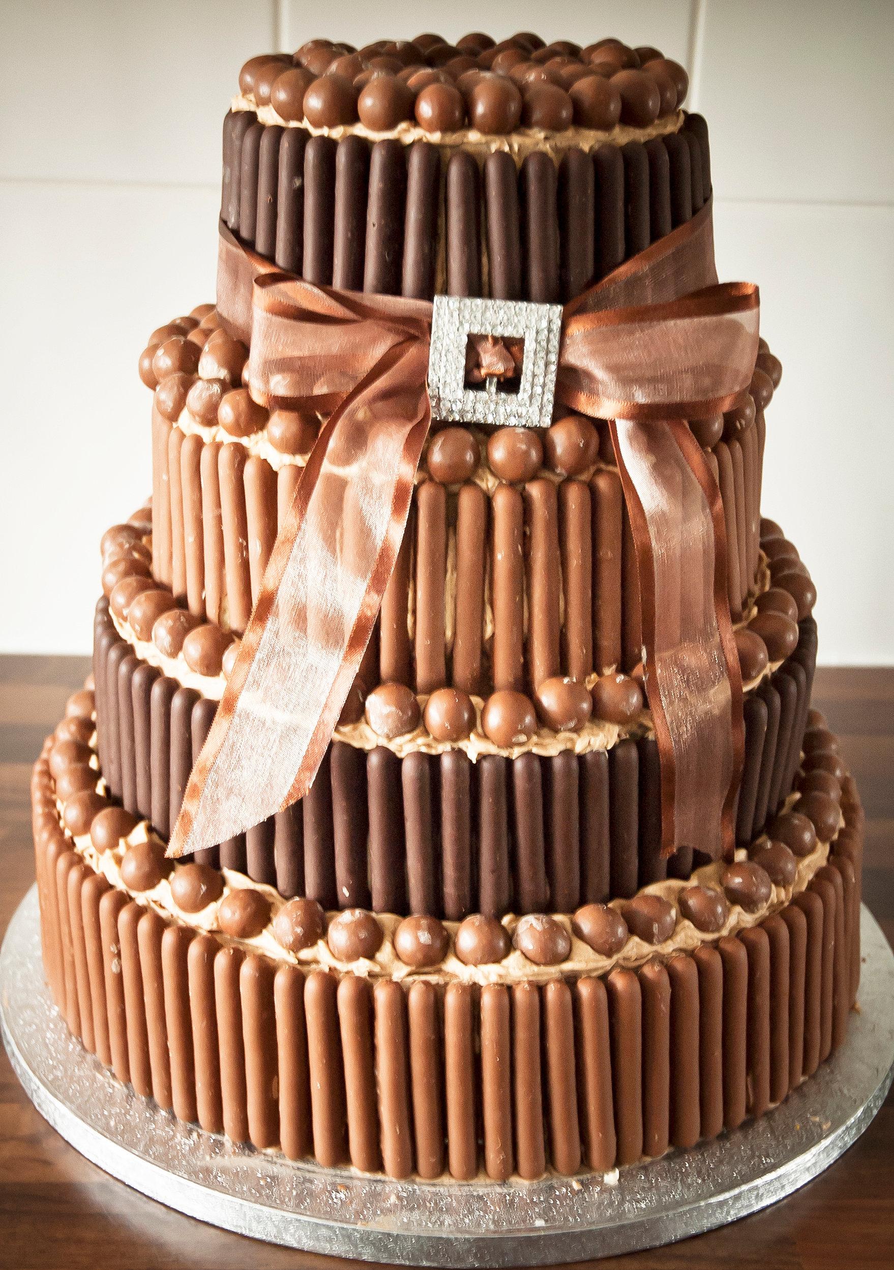 Cake Decoration With White Chocolate : Wedding cakes, Cake decorating courses, Sunderland Durham North East Chocolate Finger Cake