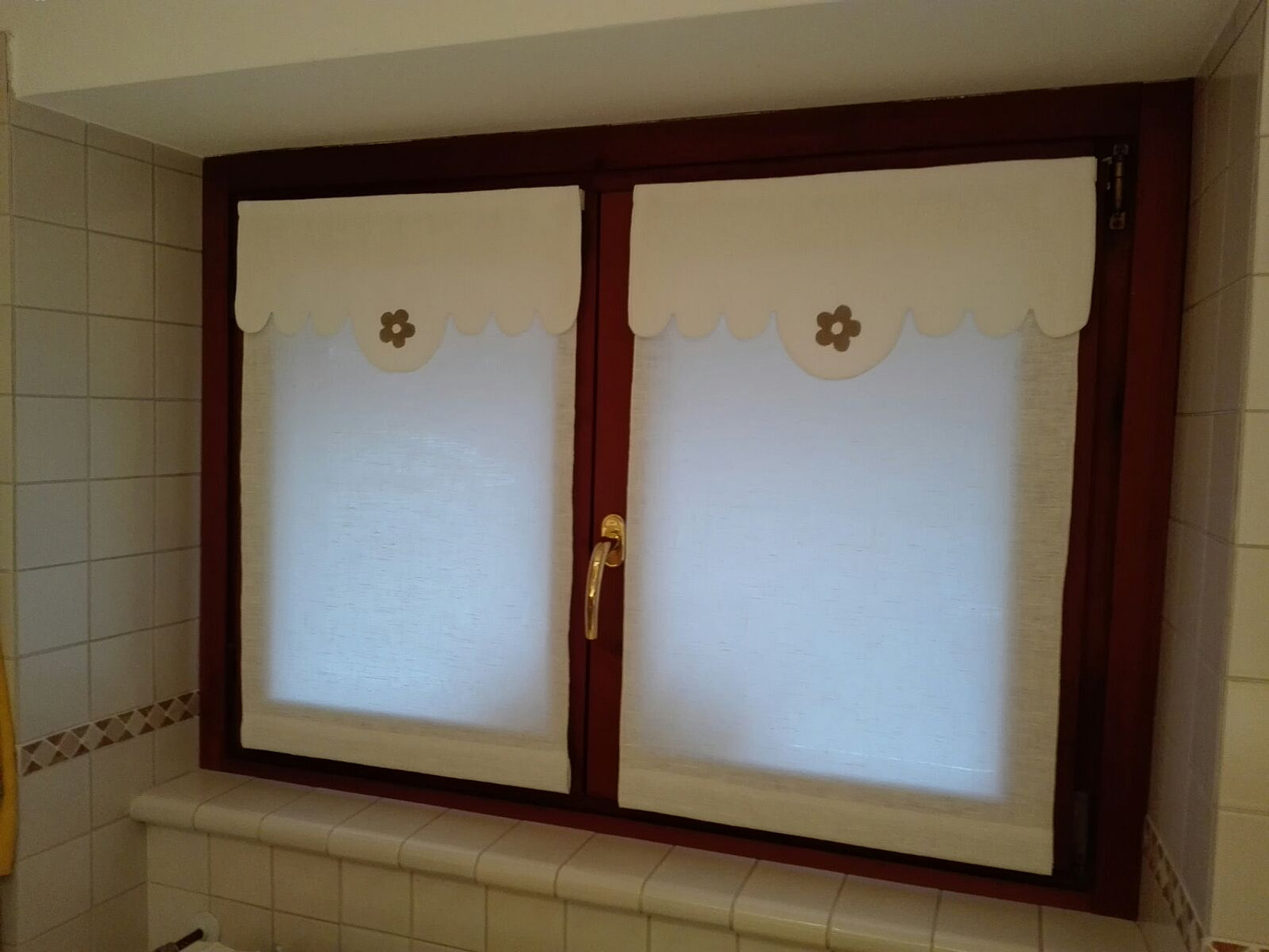Tende bagno sorelle milesi for Tende a finestra