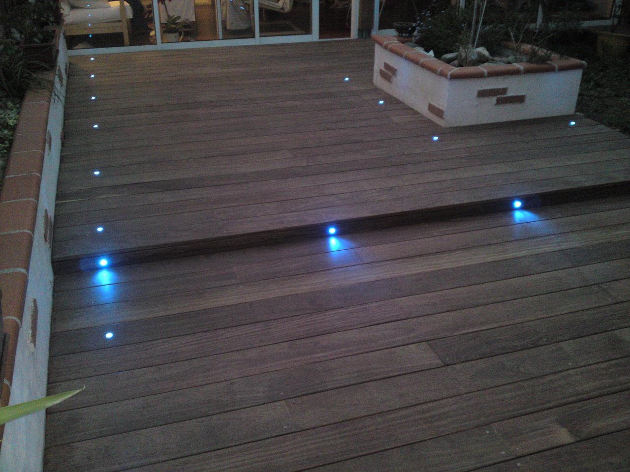 Terrasse en bois exotique dans le 66 perpignan barcares for Eclairage terrasse led exterieur