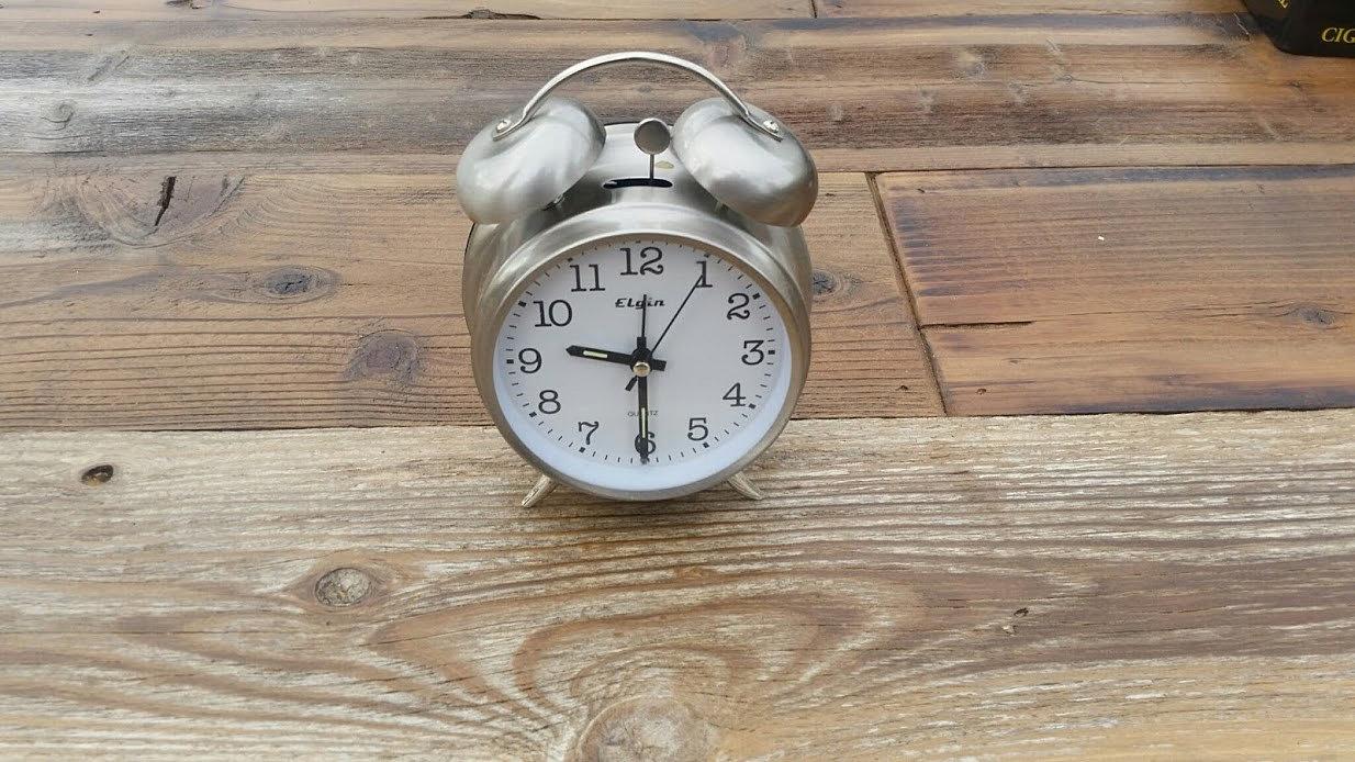 Rusticrentals Small Alarm Clock