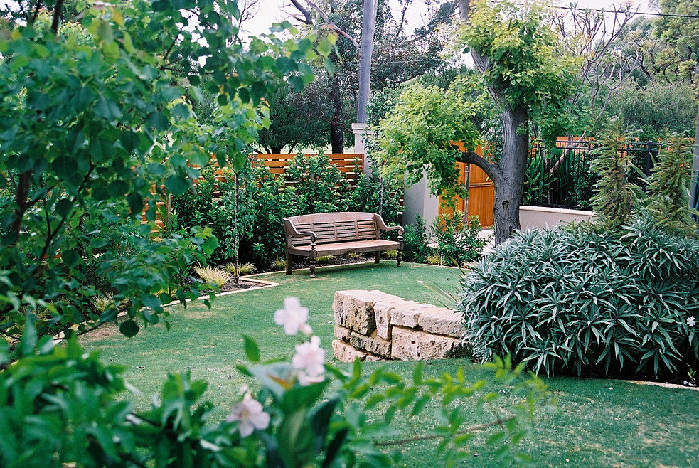 Landscapers perth floreat naturescape creative landscaping for Garden landscaping perth