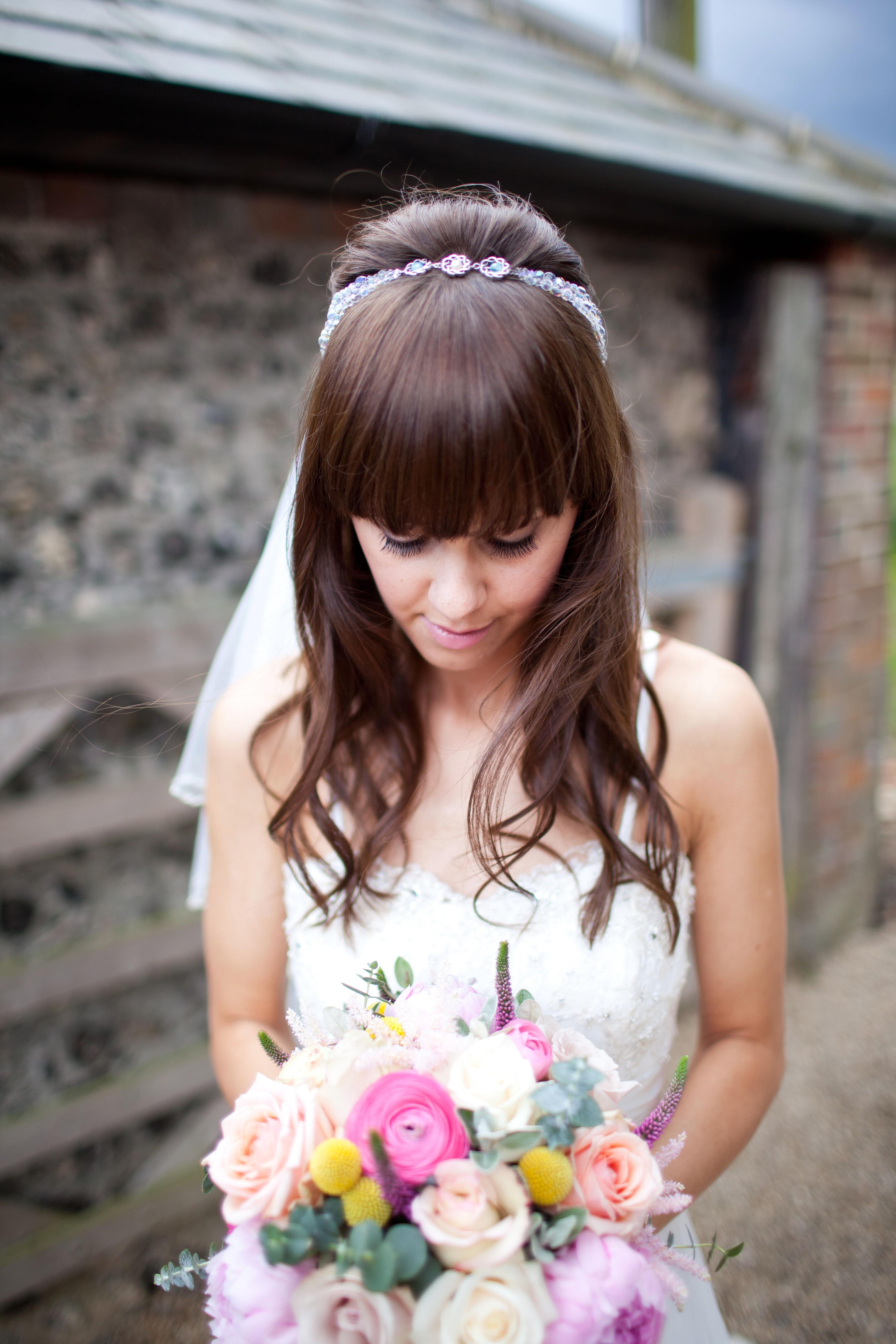 Прически свадебные чтобы прикрыть уши