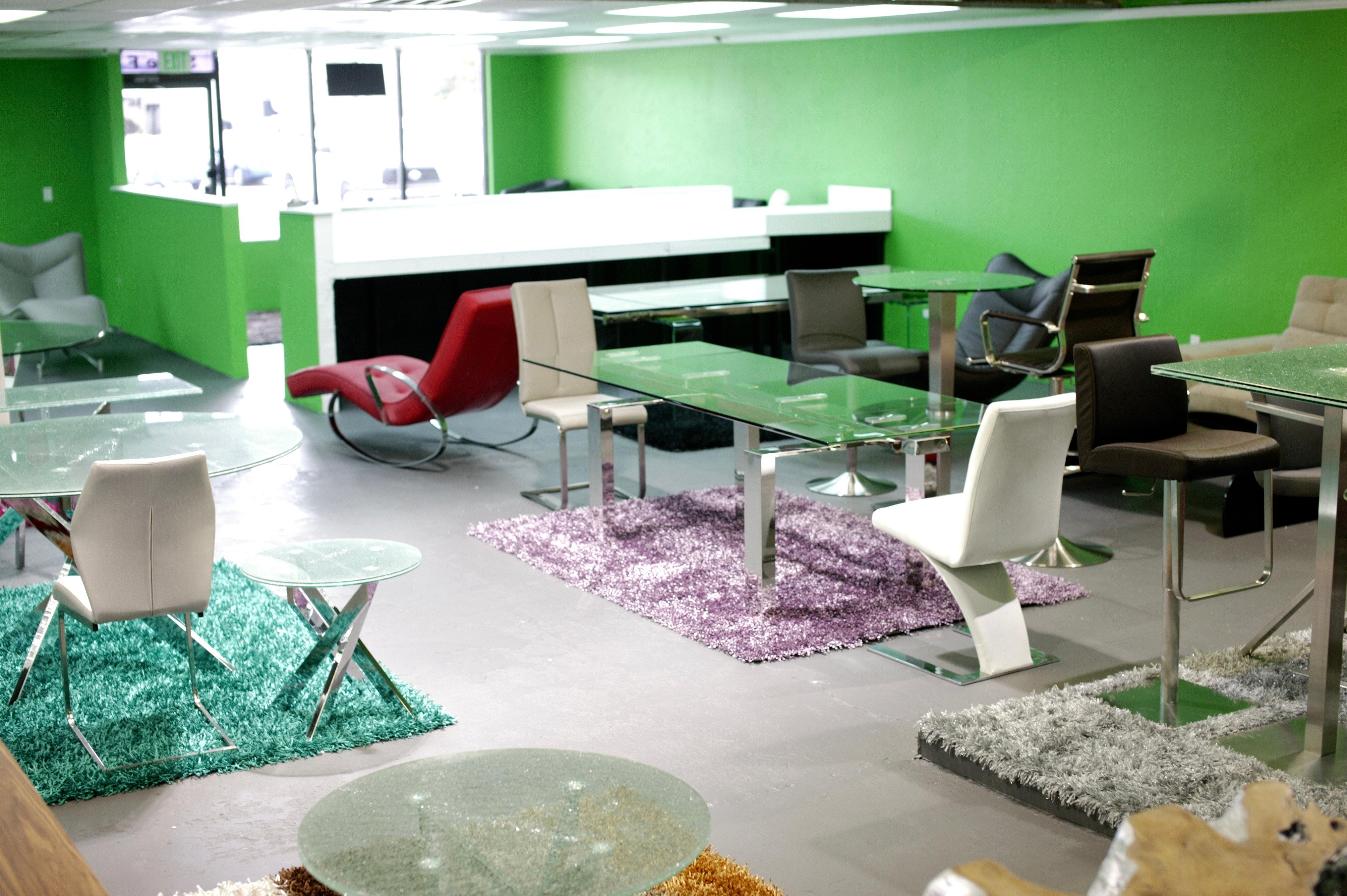 Modern Furniture Serving Tampa Bay 487v8377